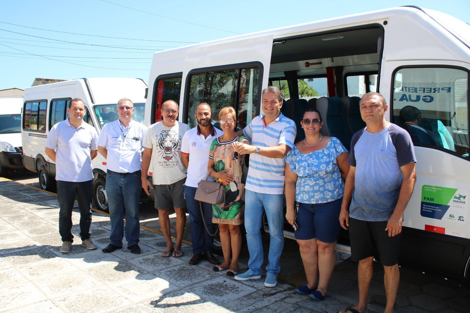 f74ebfee1 Prefeito de Guaratuba entrega vans para área social – Correio do Litoral